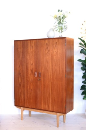 Borge Mogensen Cabinet in oak and teak heyday möbel Zürich mid-century modern furniture