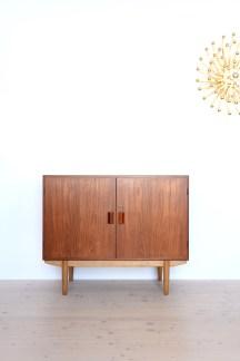 Borge-Mogensen-Teak-and-Oak-Cabinet-heyday-moebel-Zurich-02