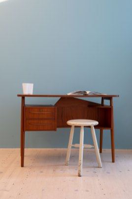 Gunnar Nielsen Tibergaard Teak Desk, produced in Denmark in the 1960s, available at heyday möbel, Grubenstrasse 19, 8045, Zürich.