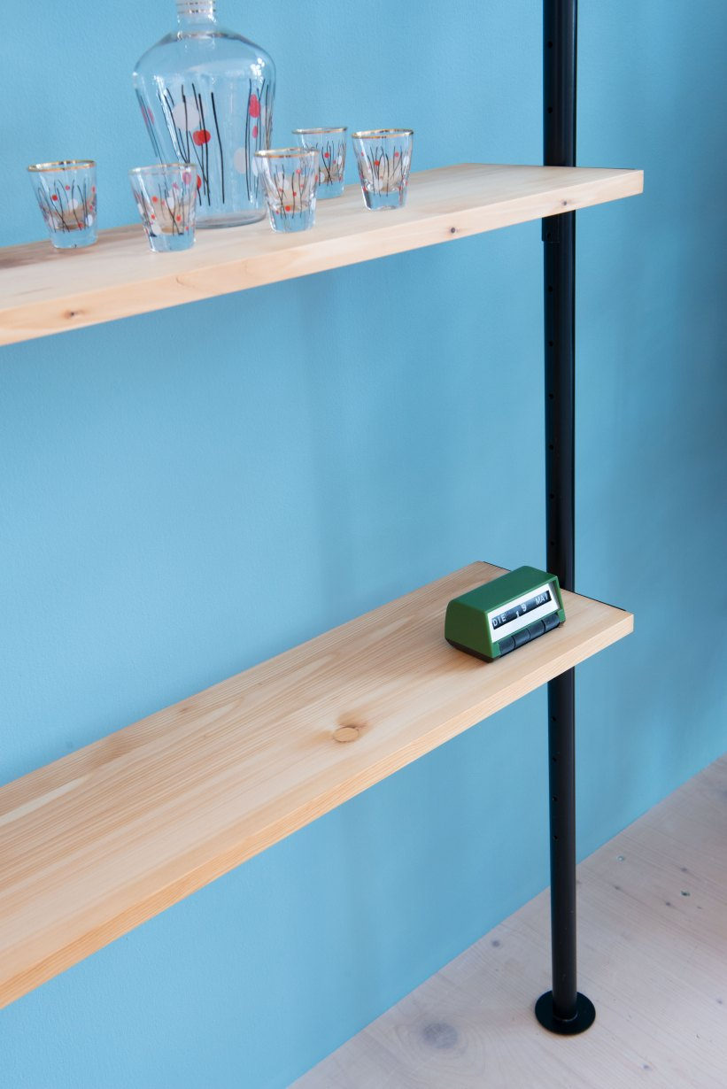Telescopic_Shelving_Unit-in_Pine_9882