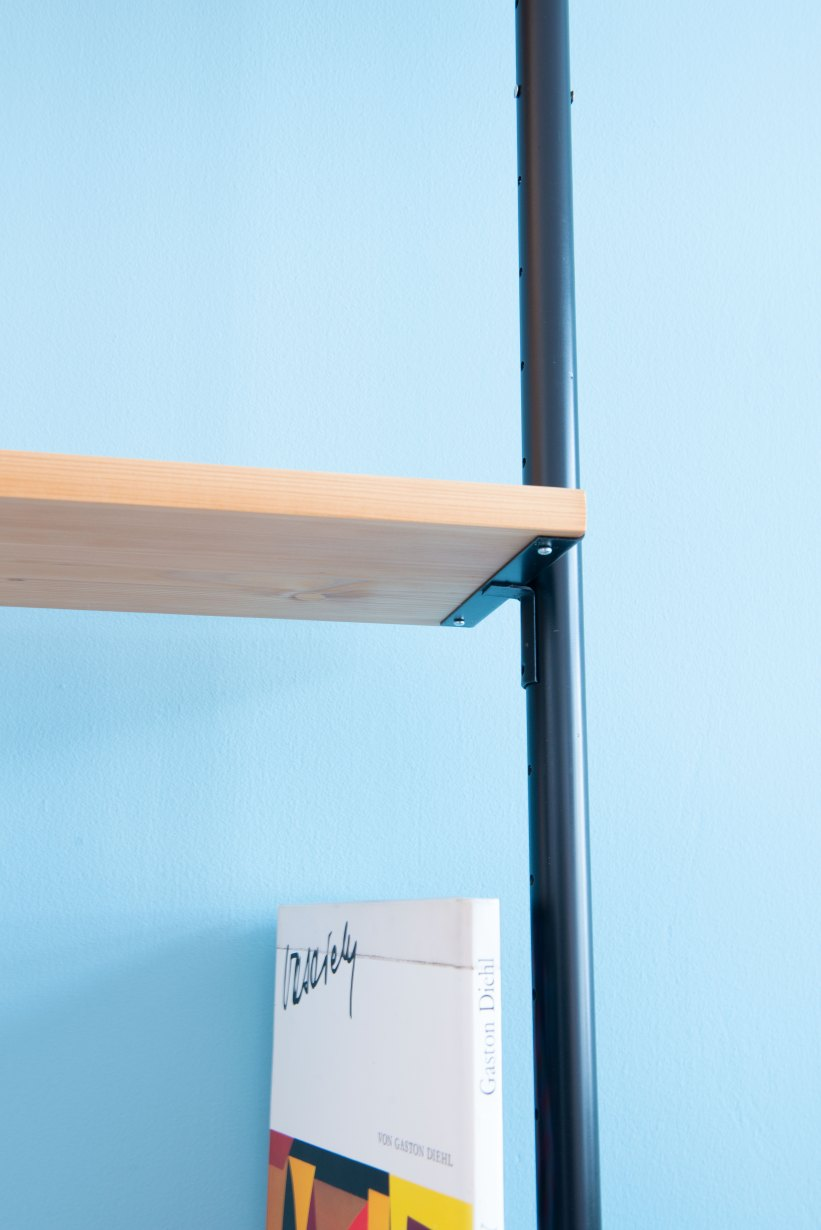 Telescopic_Shelving_Unit-in_Pine_9885