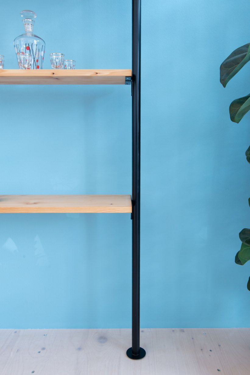 Telescopic_Shelving_Unit-in_Pine_9890