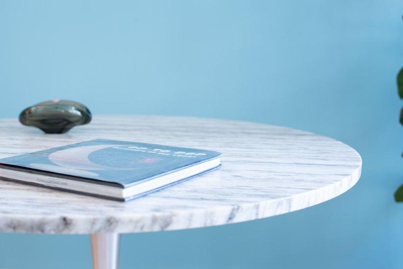 Arkana_Lounge_Table_in_Marble_by_Maurice_Burke_heyday_möbel_Zurich_Switzerland_0824