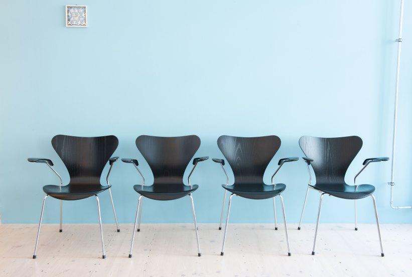 Arne_Jacobsen_Series_7_Dining_Chairs_heyday_moebel_1166