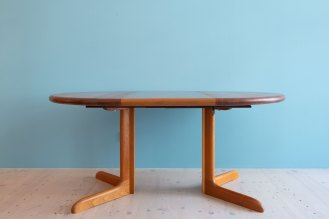 Niels_Otto_Möller__Round_Dining_Table_by_Gudme_Möbelfabrik_heyday_möbel_Zurich_Switzerland_1227
