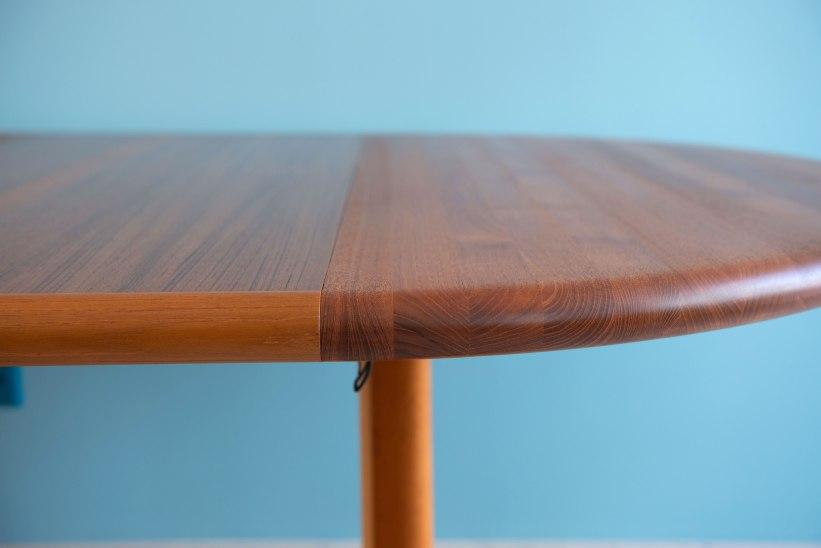 Niels_Otto_Möller__Round_Dining_Table_by_Gudme_Möbelfabrik_heyday_möbel_Zurich_Switzerland_1232