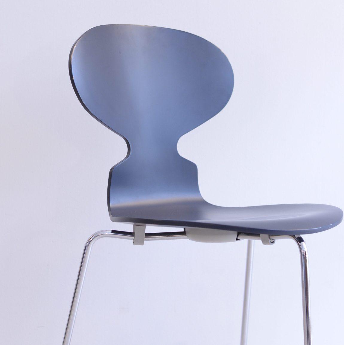 Arne Jacobsen Ant Chair Ameise 790 Black-Blue heyday möbel moebel Zurich Zürich vintage Binz Altstetten