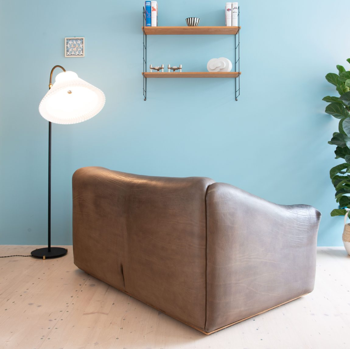 Vintage De Sede Sofa in Buffalo Leather. Classic Swiss Design. Available at heyday möbel, Grubenstrasse 19, 8045 Zürich, Switzerland. Mid-century modern.