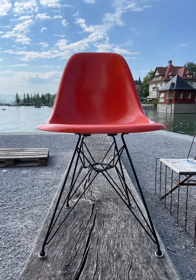 Eames DSR Fibreglass Chair Set in Orange. Charles and Ray Eames produced by Vitra, 1960s. Available at heyday möbel, Grubenstrasse 19, 8045 Zürich, Switzerland.