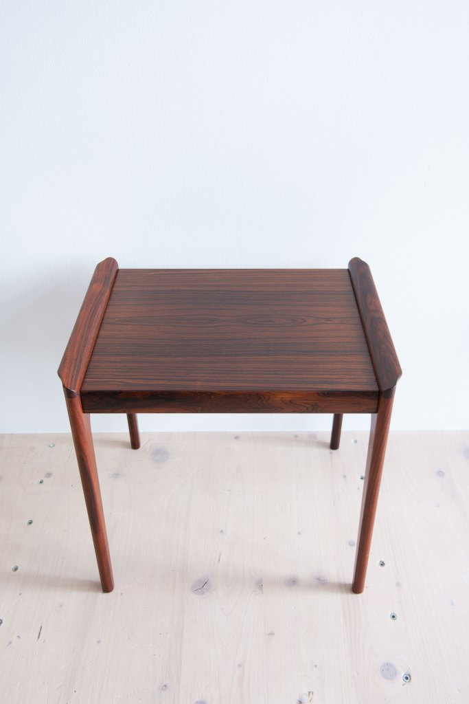 Little Rosewood Side Table by Domus Danica. Produced by Heltborg Möbler, Denmark, 1960s. Available at heyday möbel, Grubenstrasse 19, 8045 Zürich, Switzerland. Mid-Century Modern furniture and other stuff.