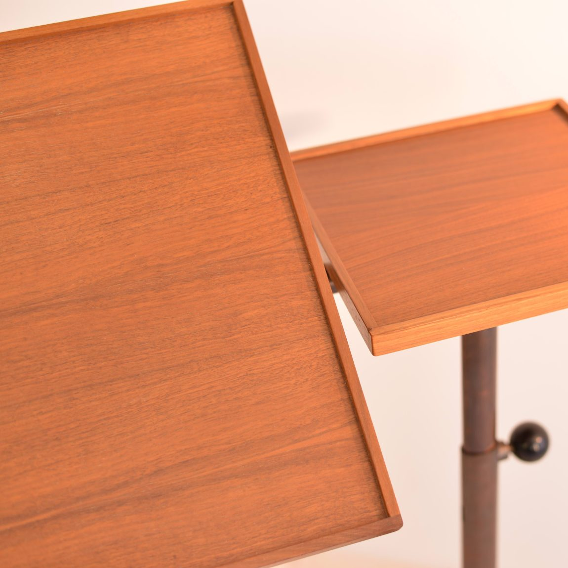 Adjustable Caruelle Table by Embru