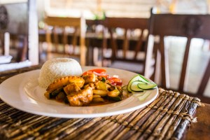 Food at Hakuna Majiwe (Gladness Interview) | @dipyourtoesin