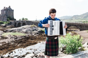Eilean Donan Castle | Highlands | Scotland | @dipyourtoesin