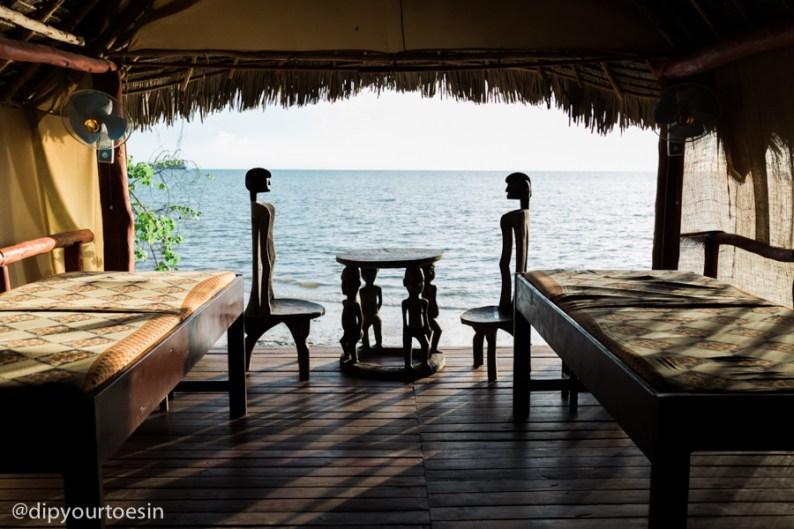 Zanzi Resort massage room with ocean view