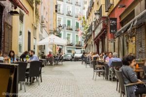 Winding streets of Madrid | via @dipyourtoesin