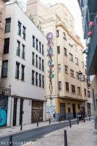 Walking Tour of Street Art in Valencia, Spain