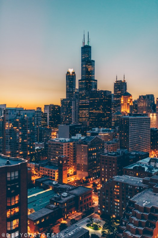 Sunset over Chicago skyline | Hancock Tower