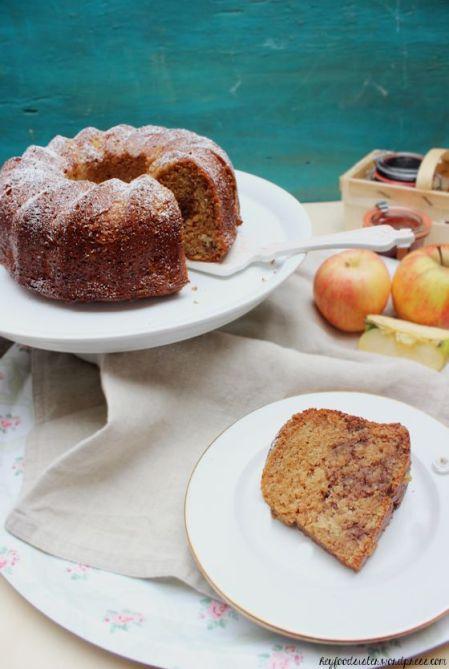 Marmorkuchen mit Nüssen und Apfelmus6.1