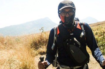 Author in the middle of Rinjani heat