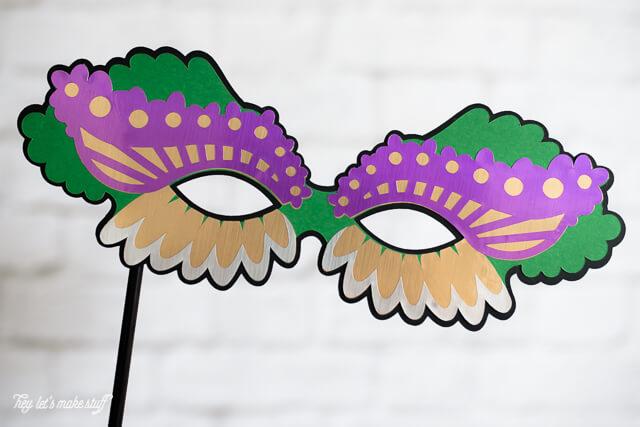 paper Mardi Gras mask