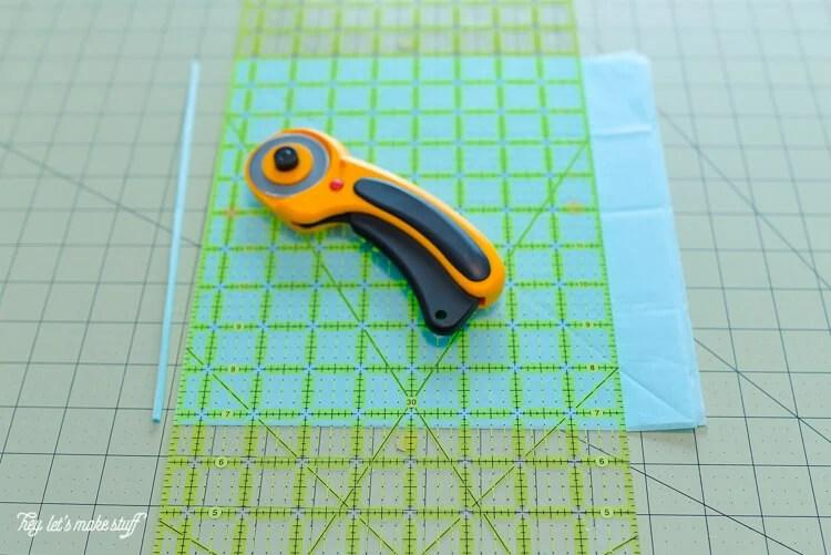 supplies to make tissue paper jellyfish