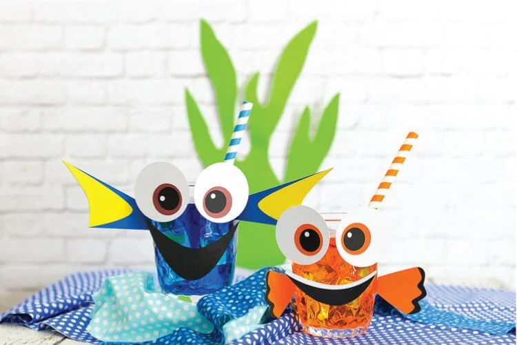 Return to the bottom of the sea in Finding Dory! Kids parties are sure to be Dory & Nemo themed this summer. Get the SVG files (or a PDF for hand-cutting) to make these cute party cups!