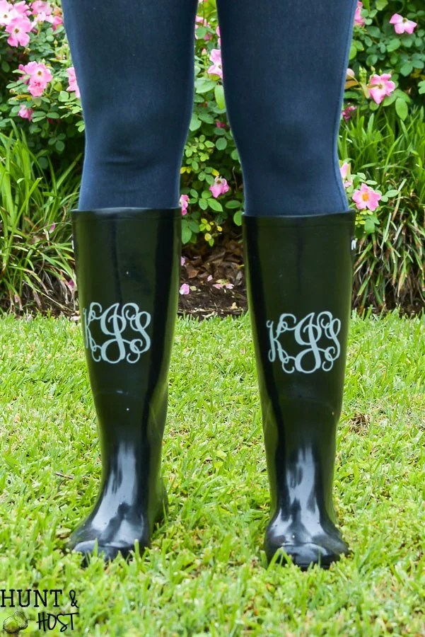 How To Monogram Rain Boots from huntandhost.net