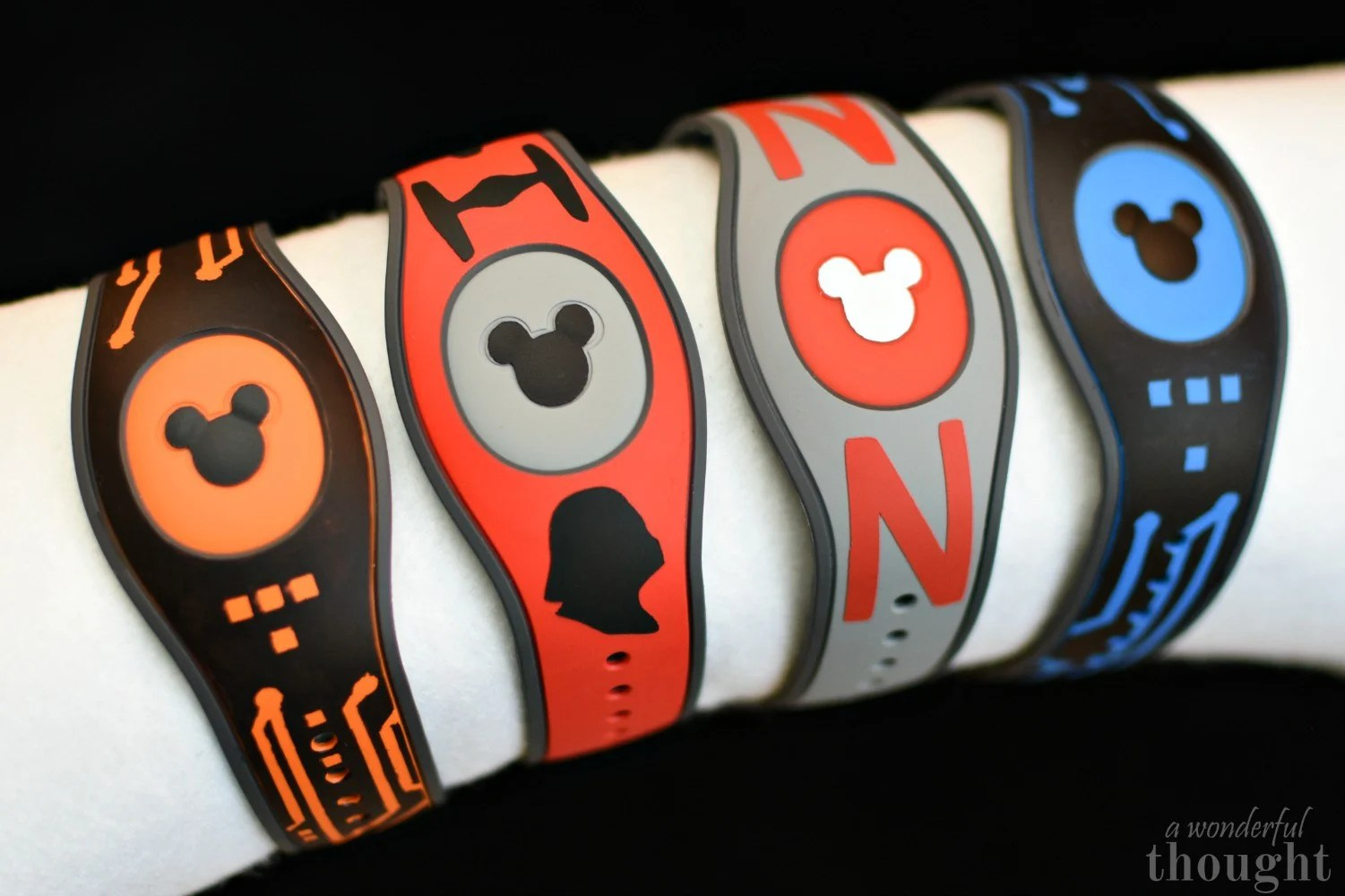DIY Decorated Magicbands from awonderfulthought.com