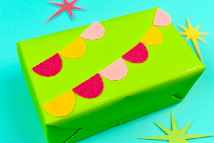 Felt Pennants as Gift Wrap Decoration