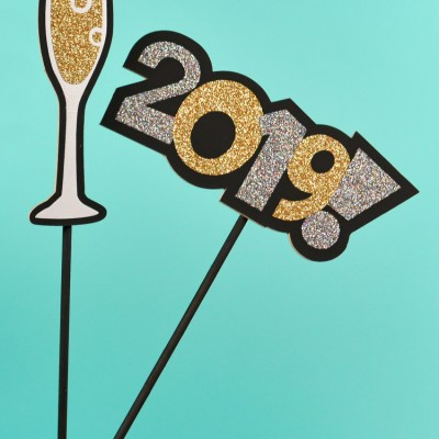 New Year's Eve Photo Booth Props with the Cricut Maker