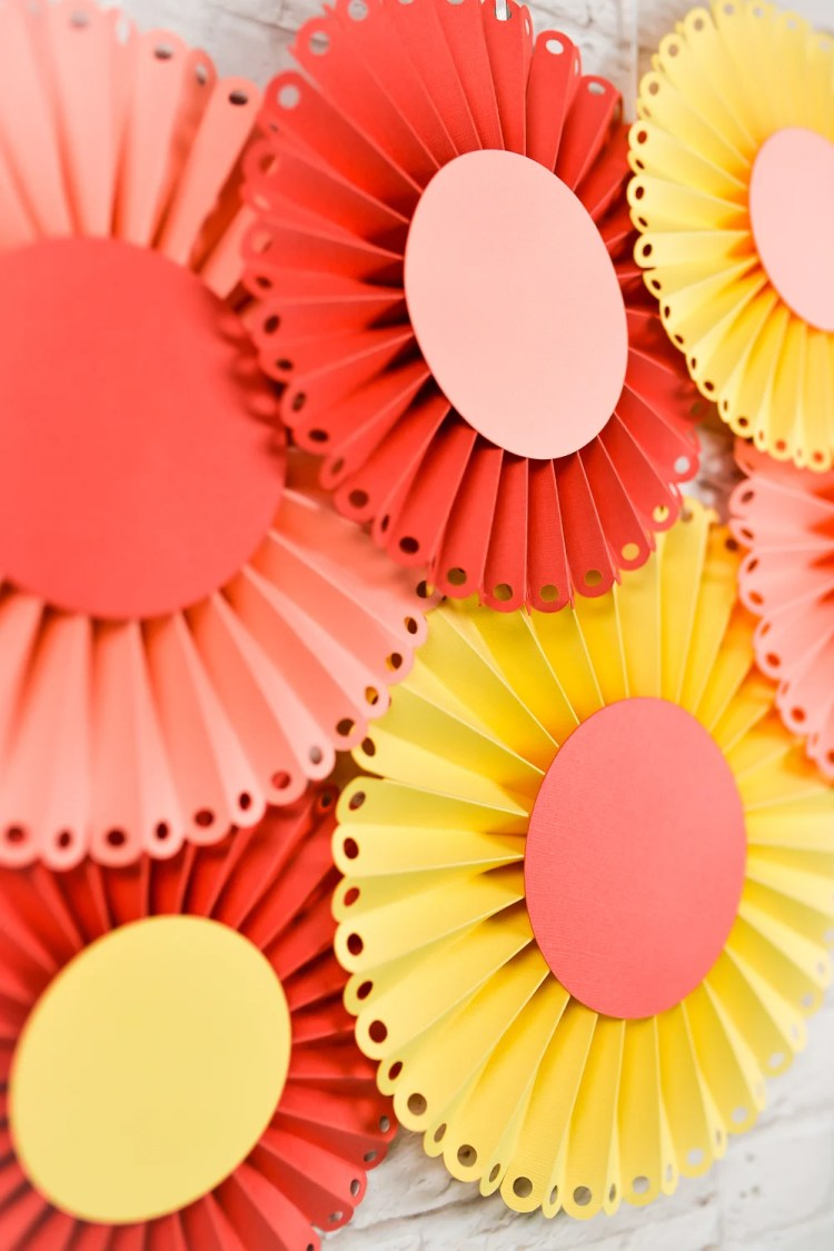 HOW TO MAKE PAPER ROSETTES WITH THE CRICUT SCORING WHEEL