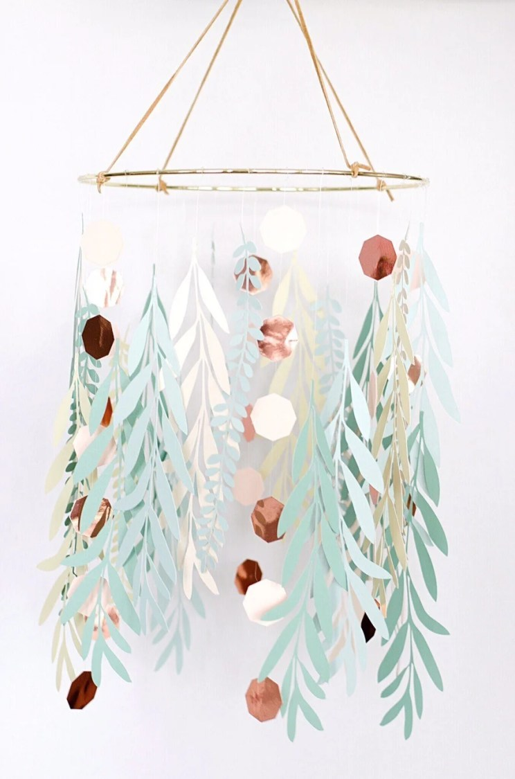 These Paper Leaves Chandelier will for sure be the centerpiece of any bridal shower. Apeaceofcreativity.com shows us how to use our Cricut to create this almost magical bridal shower decoration.
