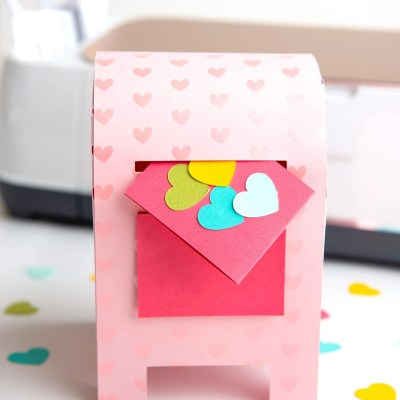 DIY Valentine's Day Box with the Cricut