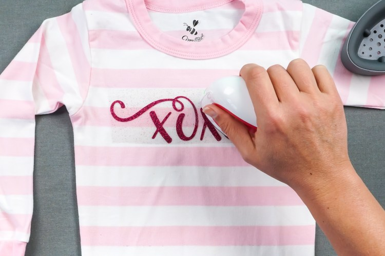 Iron the XOXO decal