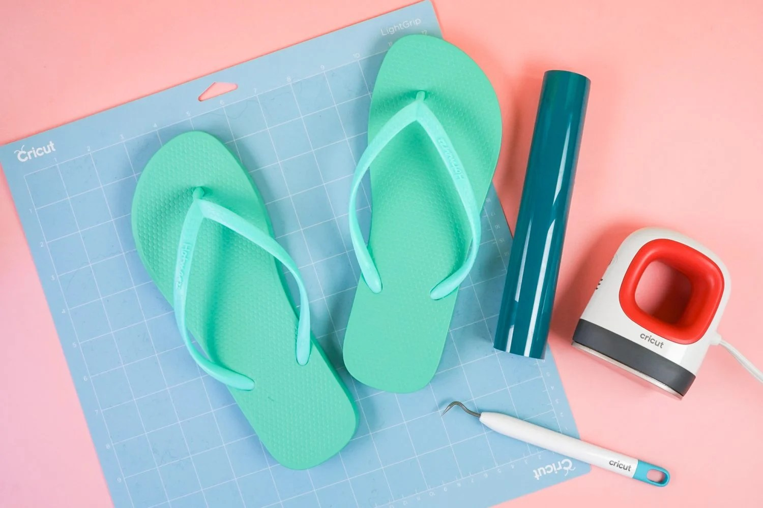 Supplies to make flip flops with your Cricut