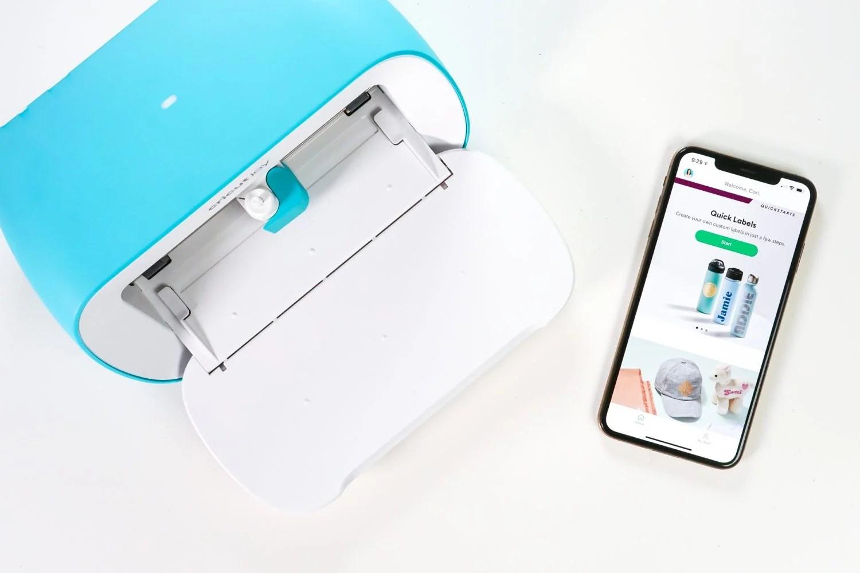 Cricut Joy with iPhone and Cricut Joy app