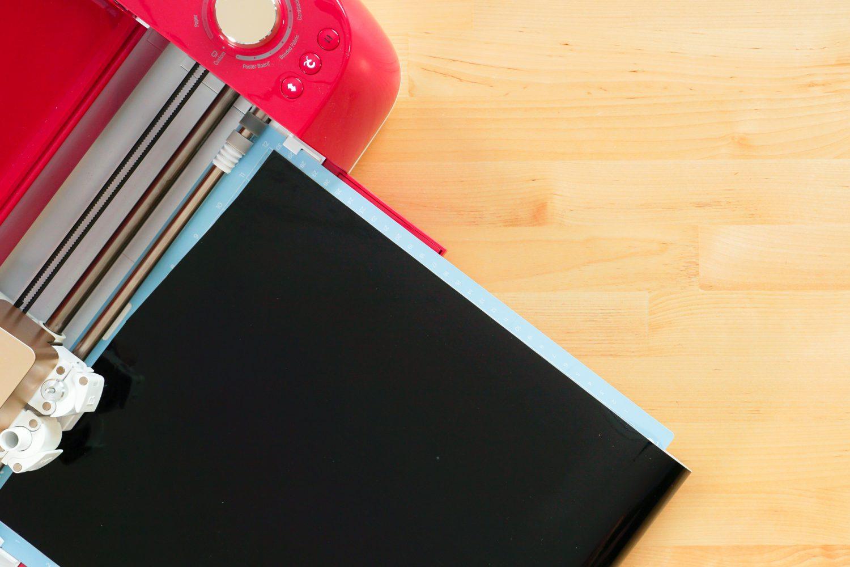 Cricut cutting black vinyl
