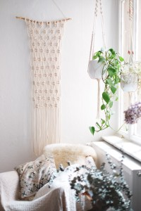 Interior: Super Easy DIY Macrame Wall Hanging Tutorial ...