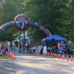 Inflatable finish arch
