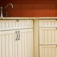 Kitchen Pulls And Knobs Cabinets Chicago 9 Gorgeous Cabinet Hardware Ideas Hgtv Door Handles