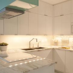 Lights For Under Kitchen Cabinets Replacement Drawer Box Cabinet Lighting Pictures And Ideas From Hgtv