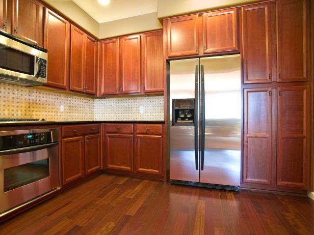 oak cabinet kitchen design and layout ideas cabinets pictures tips from hgtv rx homedepot after 4x3