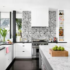 Modern Kitchen Backsplash Faucet Reviews 9 Kitchens With Show Stopping Hgtv S Decorating Graphic Black And White