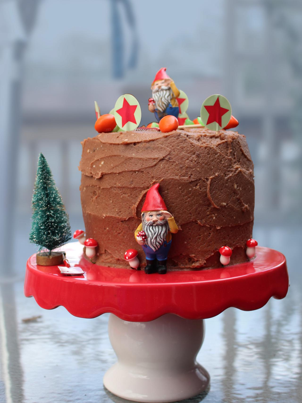 How To Throw A Gnome Party Hgtv S Decorating Amp Design