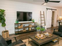 Chip Joanna Gaines Fixer Upper Living Room