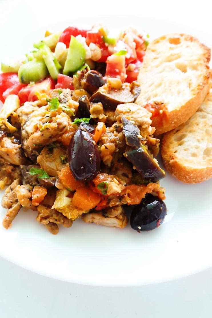 Easy Mediterranean Chicken Dinner | Quick and Healthy Dinner Recipe