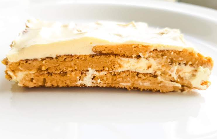 Super delicious and easy pancake cake! It's a pumpkin pancake cake. This pumpkin recipe is kinda healthy, but incredibly tasty. This recipe happens to be flourless and gluten-free, frosting is made with cream cheese.
