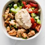 30-Minute Mediterranean Meal Prep Bowl Recipe with chicken, hummus and salad. This is a pretty simple, yet delicious healthy dinner or lunch recipe that you can easily meal prep for the week ahead. A healthy meal prep recipe that you need to try, to eat healthy without sacrificing taste.