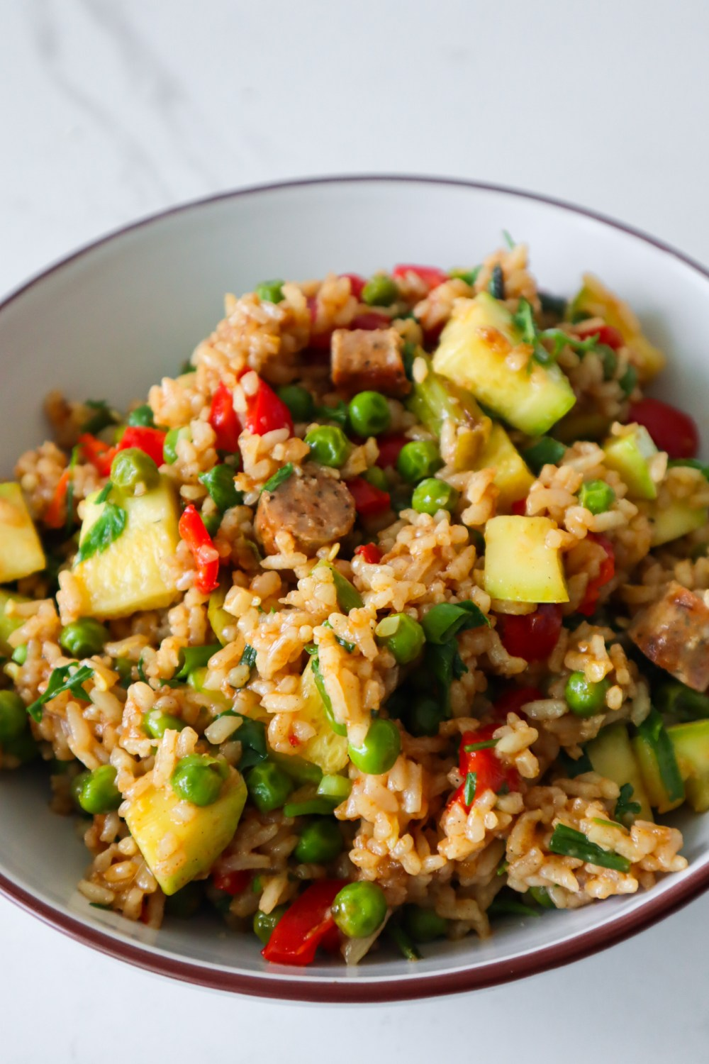 Quick and easy healthy rice and sausage recipe, the perfect weeknight dinner idea that you can make in less than 30 minutes.