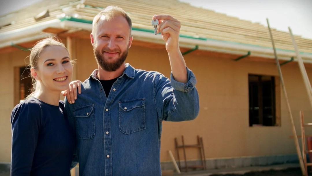 Et par har fått sin byggesøknad godkjent i fredrikstad kommune, og har begynt å bygge sitt drømmehus.